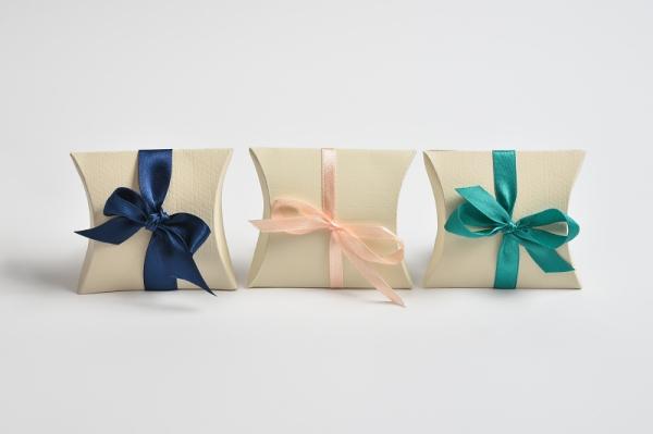 cutiute pentru marturii de nunta, cadouri, martisoare