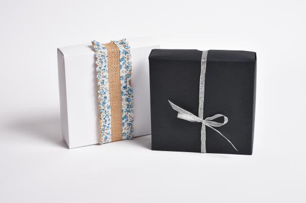 ambalaje, cutii pentru cadouri
