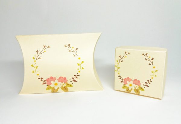 cutie pillow box cu motive florale pentru cadouri